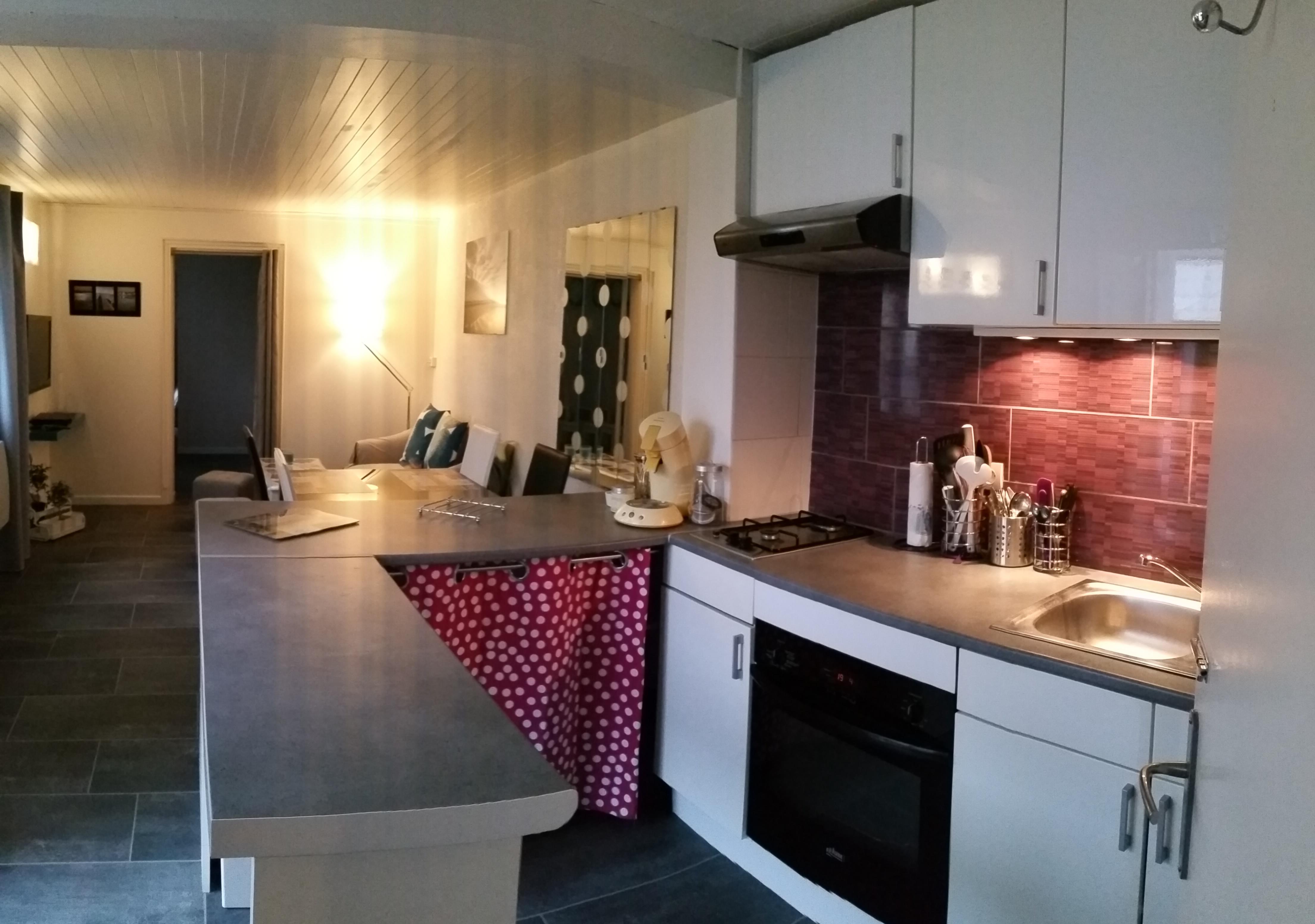 Le crotoy location gite vacances 2 4 personnes for Configuration cuisine equipee